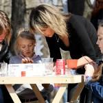 Ледяное пасхальное яйцо и детский праздник в парке «Красная пресня»