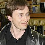Сергей Безруков представил книгу о Есенине