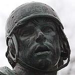 Номер 17: в Лужниках установили памятник Валерию Харламову